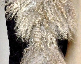 Wild scarf-collar, Leicester Long wool fleece and curls, natural wool, merino wool, hand made