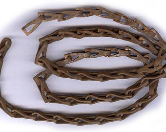 vintage ANTIQUE chain RUST solid old steel chain RUGGED great design twenty six inches perfect for gothic designs