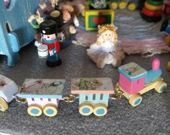 12th scale dolls house Wooden Peter Rabbit & Friends  toy train set
