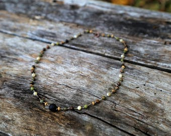 Diffuser necklace with gemstones