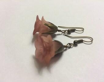 Rose Pink Flower Earrings.  Lucite Flower Jewelry.  Lucite Flower Earrings.