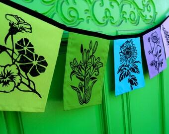 Garden Flags with Flowers - Flower Flags jewel tones - Garden Prayer Flags - Garden Gate Decoration - Sunflower - Windsparrow Studio - Flag