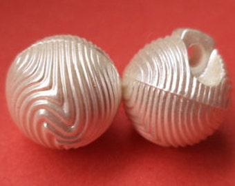 10 buttons 11 mm (1415) button White Pearl ball