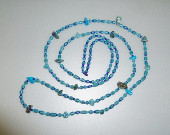 Bright turquoise necklace