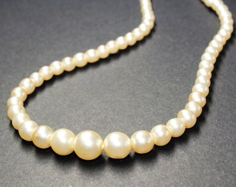 Graduated Faux Pearl Single Strand Necklace, Graduated Imitation Pearl Vintage Necklace with Sparkly Rhinestone Diamante Clasp (c1960s)