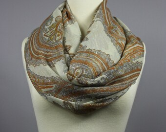 Paisley infinity scarf in Brown