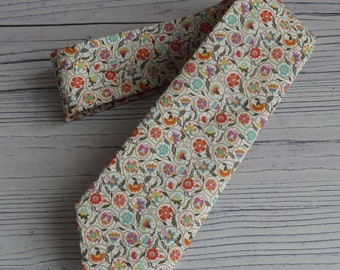 Liberty print tie - mens floral tie - floral necktie - floral wedding tie - Liberty tie - skinny tie - Le Temps Viendra