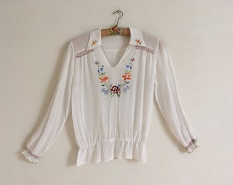 60's embroiderd peasant top /Vintage Hungarian blouse