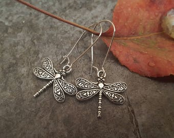 Silver Dragonfly Earrings, Highly Detailed Dragonfly Earrings, Antique Silver, Kidney Earwires, Gift for her, Nature Inspired Jewelry