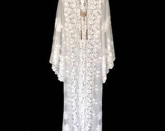 Lace kimono robe, wedding lace robes, bride robe, wedding day robe, lace beach kimono, boho kimono, kimono, long lace kimono,