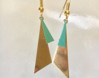 Earrings graphic golden triangle turquoise enamel charm