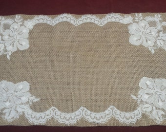 Rectangular Center in jute and lace, decorazine table