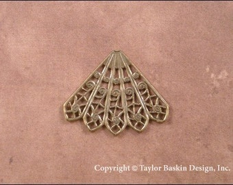 Victorian Filigree Stamping in Antiqued Polished Brass Angel Pin Skirt or Earring Component (item 1508 AG-5 Point) - 6 Pieces