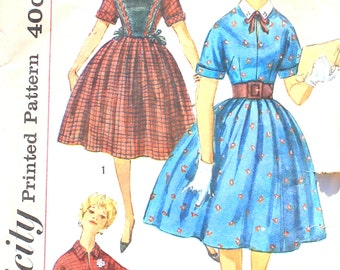1950s Dress with Plastron Bust 32