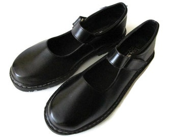 Vintage Mary Jane Shoes, Leather Mary Janes, Black Mary Janes, Wide fit Mary Janes, Classic Mary Janes, Black leather, Wide fit, Size 42/8