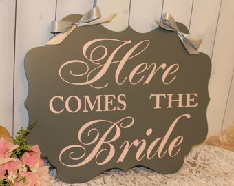 Wedding Sign/Here Comes the BRIDE /XX Large/scallop Board/Fancy/Photo Prop/Personalized/Date/Blush/Gray/Light Weight/Reversible