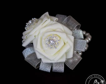 Winter corsage, corsages for wedding, snowflake wrist corsage, double rose corsage wristlet, rhinestone snowflake prom corsage for women
