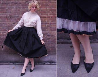 Vtg 1950s Black Tafetta Full Circle Skirt  With Tulle S/M - 28'' waist