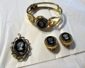 Vintage Midcentury Glass CAMEO BRACELET, Pendant,Earrings Beautiful Design