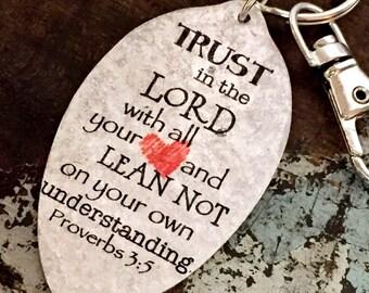 Vertrauen in den Herrn von ganzem Herzen und Lean nicht auf eigene Faust Verständnis Sprüche 3:5 Schlüsselanhänger, religiöse Schlüsselanhänger Schrift Geschenk