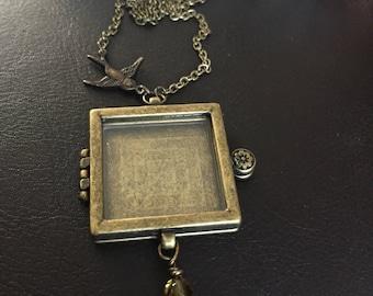 Bird locket necklace, bird gift, family photo necklace, Flower necklace, keepsake necklace, photo necklace