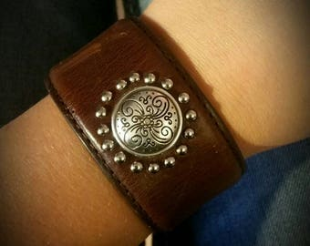Repurposed leather belt bracelet