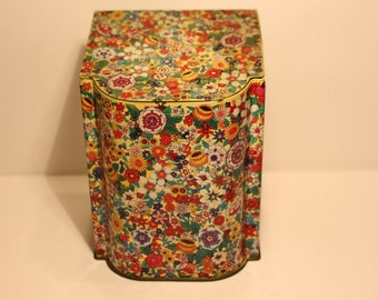 Vintage Flip Top Biscuit Tin - RETRO!