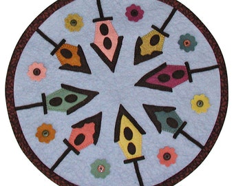 PDF Pattern - Ready for the Birds 16 inch WoolFelt Table Mat
