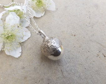 Silver Acorn Necklace: Chunky Silver Necklace, Acorn Pendant, Woodland Necklace, Nature Jewellery, Acorn Charm, Forest Necklace