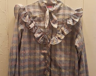 Blue-patterned blouse with silver details