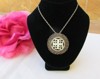 Pendant - Sterling Silver - Mother of Pearl - Sterling Silver Chain - Vintage