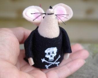 Punk mouse, Skull and cross-bones, Mouse, Black t-shirt, Felt mice, Punk,