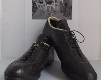 Vintage French cycling shoes, racing bike shoes