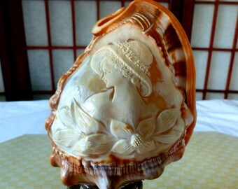 Antique Carved Cameo Conch Shell Accent Lamp, Raised Relief Victorian Lady Profile
