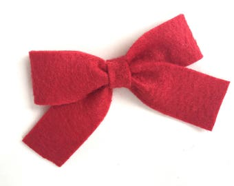 Red felt hair bow- felt bow, red hair bow, hair bows, girls bows, baby bows, felt bows, bows, girls hair bows, felt hair bows, red bows