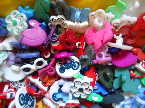 Lot of 100 Baby Buttons Multicolor Animals Flowers Bows Scrapbooking Jewelry Assemblage #SophieLadyDeParis