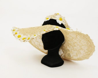 RESERVED -do not buy- Vintage 1970s straw and daisies large brim hat