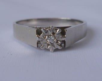 Vintage diamond ring 18ct white gold