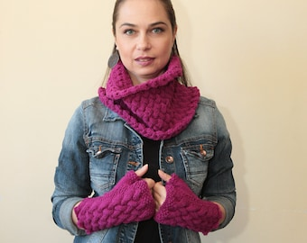 Hand Knit Fingerless Gloves and Cowl Scarf Set Pure Wool Fuchsia by Solandia Orchid Christmas Gift