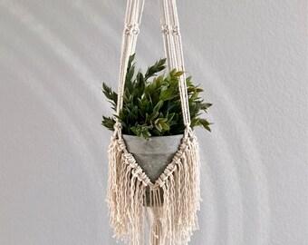 Fringe plant hanger
