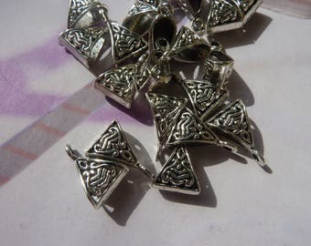 20 silver-plated drawing tehnique 15x10mm triangle bails
