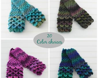 Dragonscale Gloves, Dragon scale fingerless gloves, Crochet gloves, Ladies gloves, Gift for her, Ladies mitts, Womens mitten, Wrist warmers,