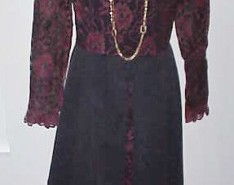1960 Dress  I Magnin San Francisco Lace & Satin in a  Stunning Design   Label Size 12