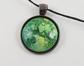 Green Petri dish Pendant
