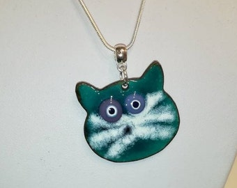 Cat necklace in enamels on copper turquoise, white and purple