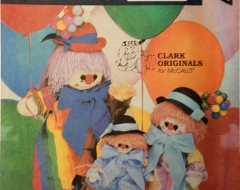 UNCUT - Vintage Clarence the Clown Enter the Clowns - McCall's Crafts #9357