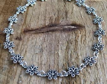 Flower choker necklace, silver flower necklace, chain of flowers choker, silver choker necklace, gothic flower choker, floral choker