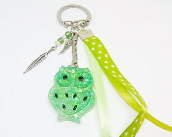 Porte clef / Bijou de sac chouette vert en résine