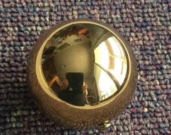 Ball Shaped Compact goldtone
