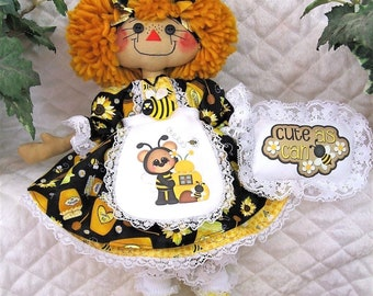 "Primitive Raggedy 17"" BeeS & SuNfLoWeRs AnniE!* Apron~Flower~Necklace~Ornie!!"